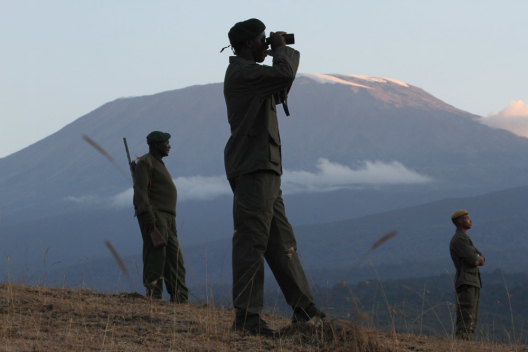 Anti-poaching walking unit in Enduimet